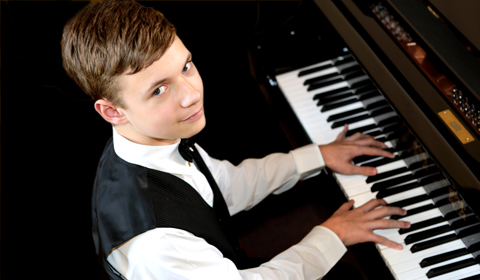 PianistTavernier_orig